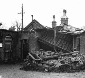 Kew Bridge Gatehouse 1918